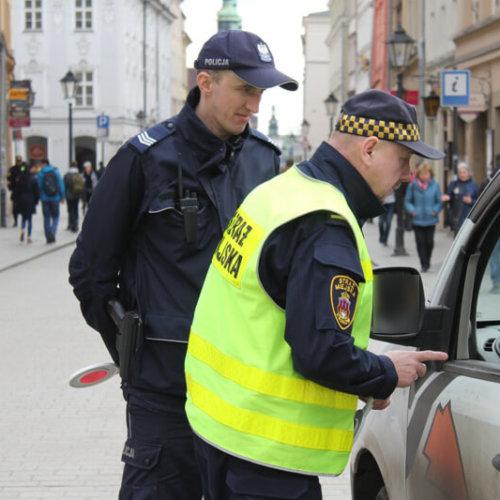 Krakowscy policjanci dbają o bezpieczeństwo pieszych