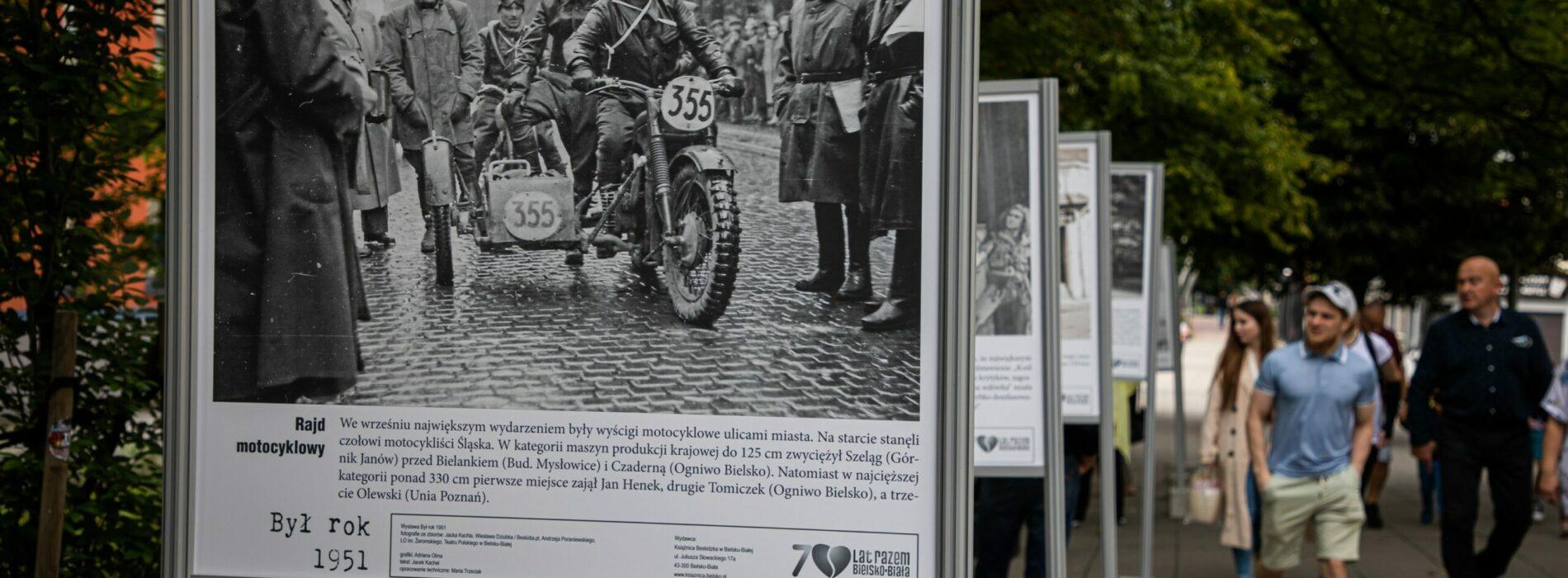 Rok 1951 zatrzymany w fotografii