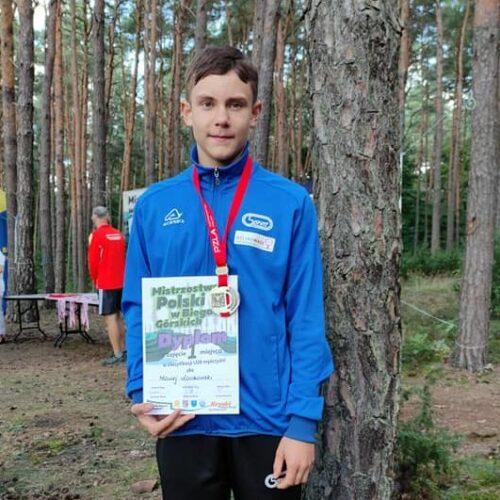 Biegacze Sprintu z medalami